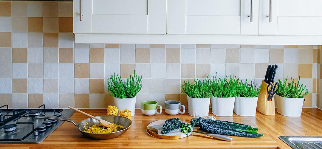 Cómo decorar una cocina práctica y funcional